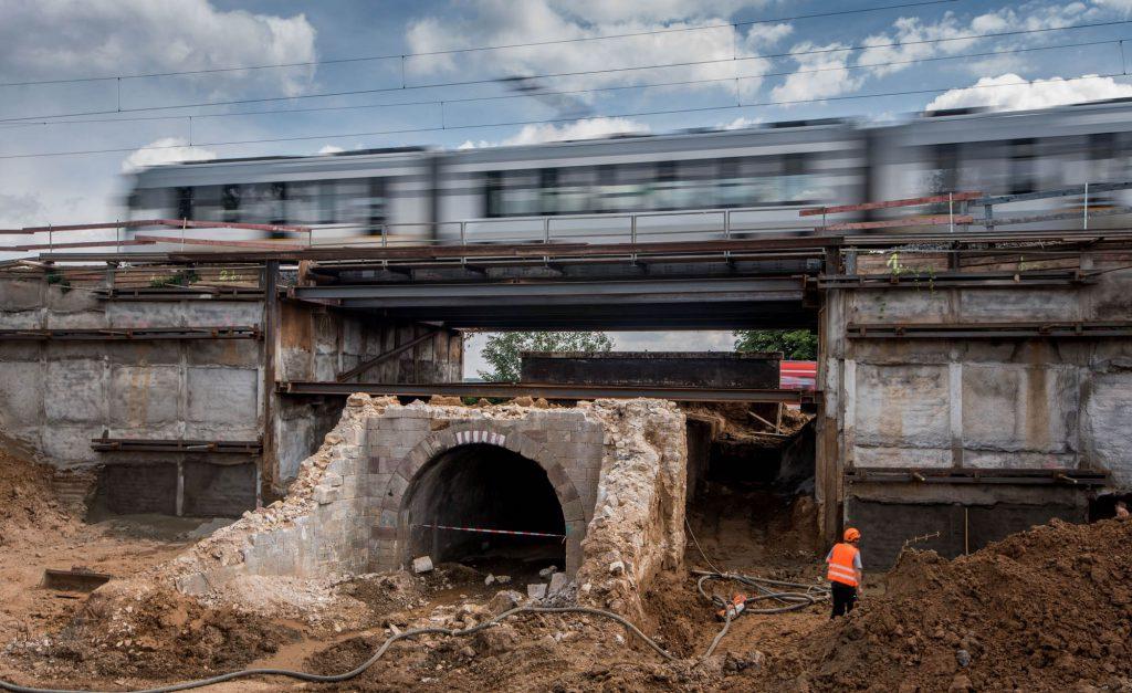 Betonbau Eisenbahnbruecke beck-bau